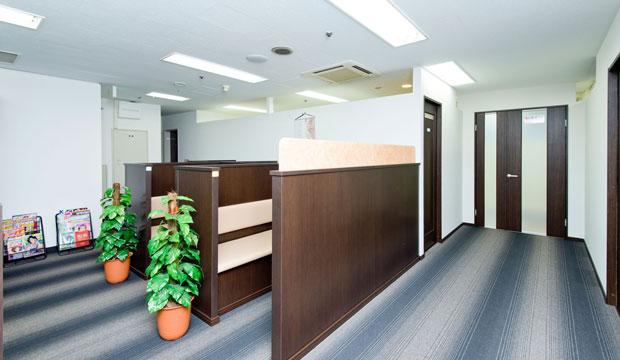 新宿中央クリニック待合室